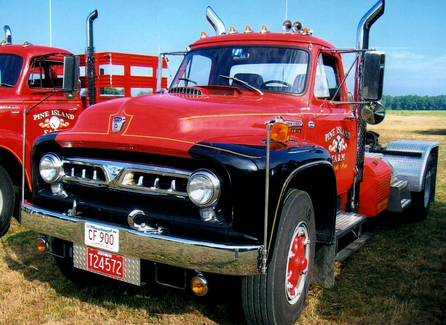 1953 Ford F-900 tractor from Massachusetts
