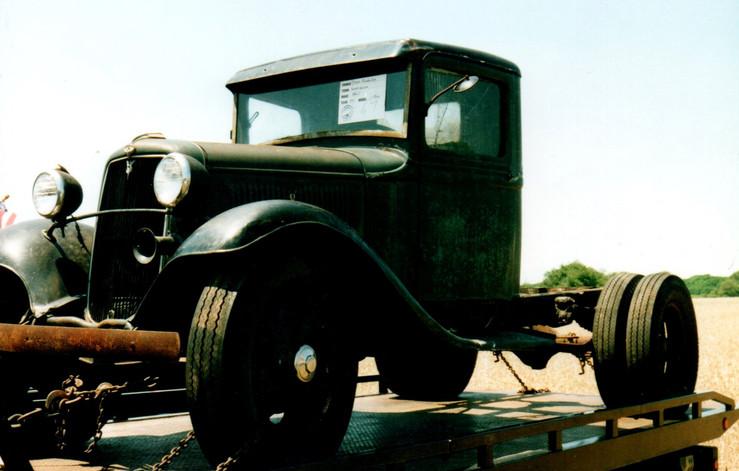 1934 Ford cab & chassis - Lance Bielenda