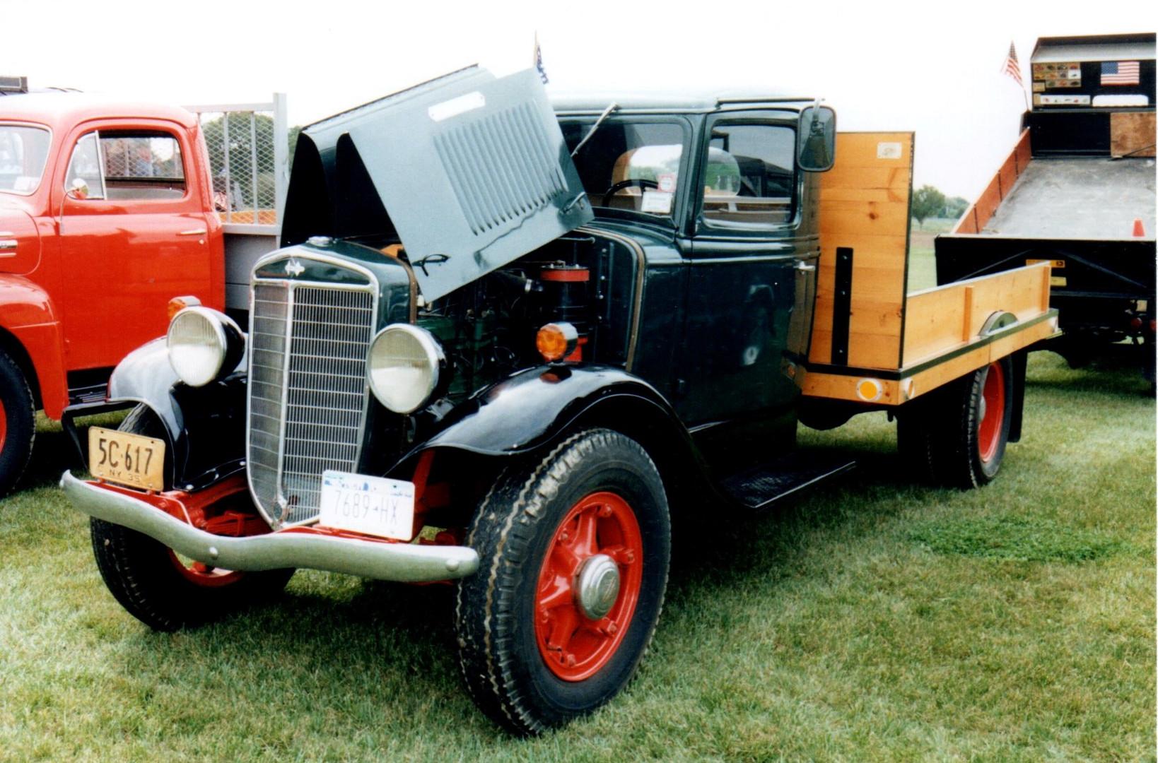 1935 International flatbed