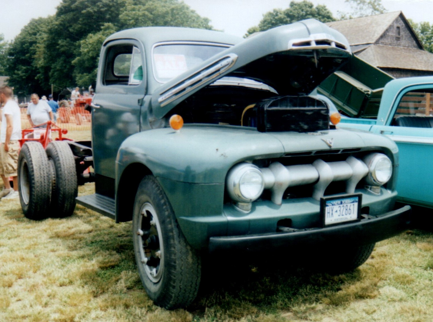 1951 Ford F-7 cab & chassis