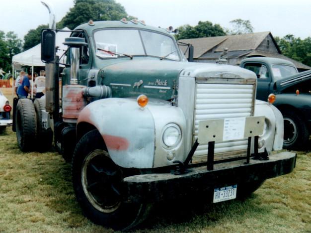 1965 Mack B-75 tractor - Steve Gittelman