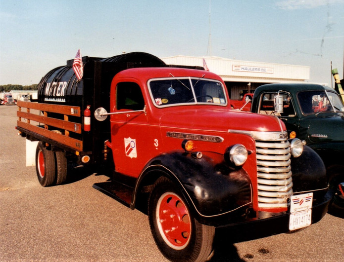 Denis Ryan's 1940 GMC water truck