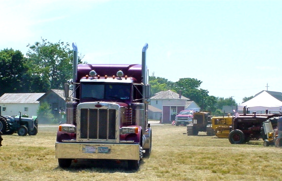 1989 Peterbilt 379 tractor entering the show grounds