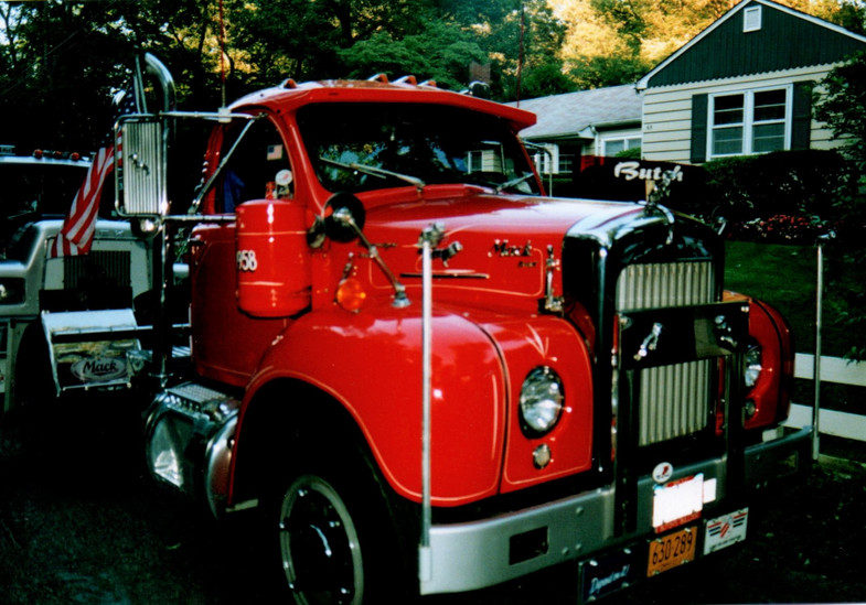 1958 Mack B-67T tractor - Howard Pratt