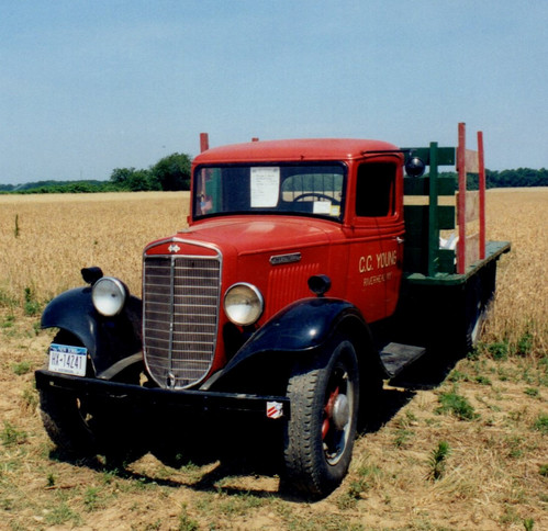 1936 International flatbed - Bruce Young