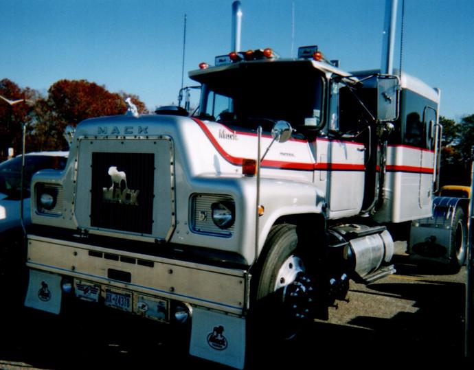 Howard Pratt's 1976 Mack tractor