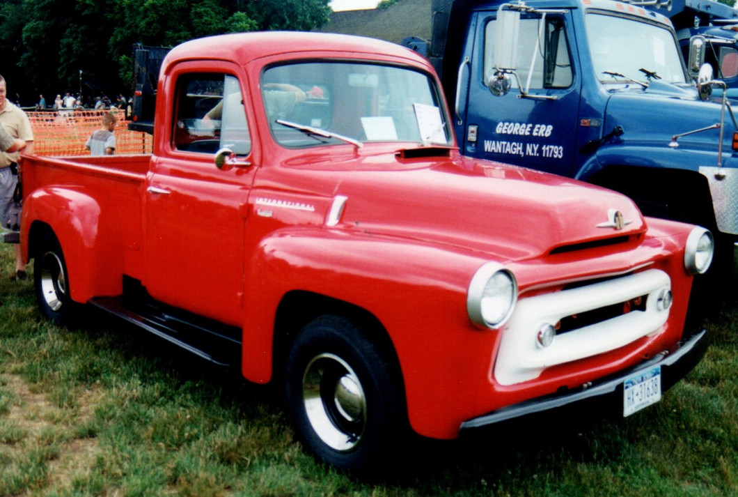 1956 InternationalS-100 pickup - Denis Gates