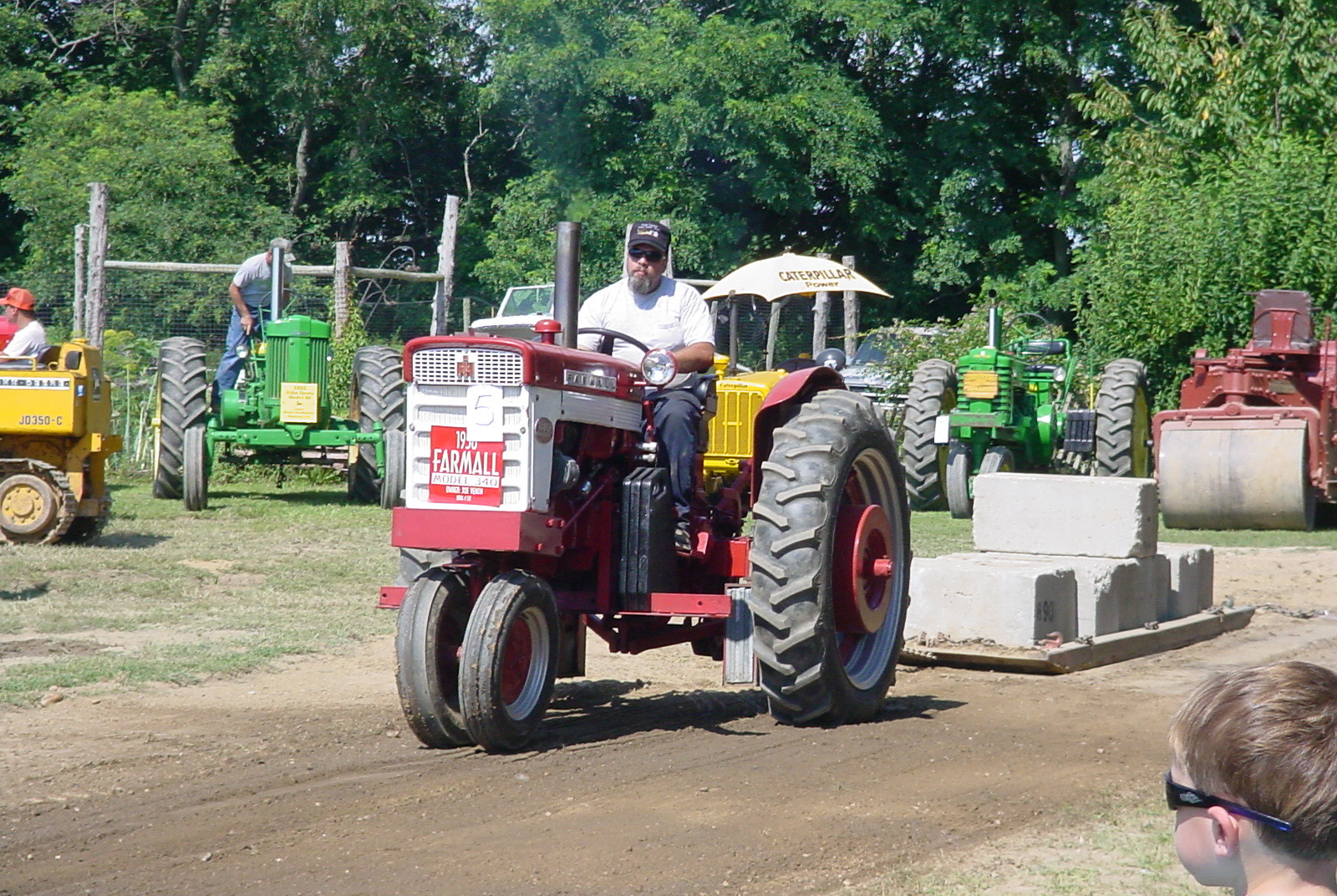 Farmall on the pulling track