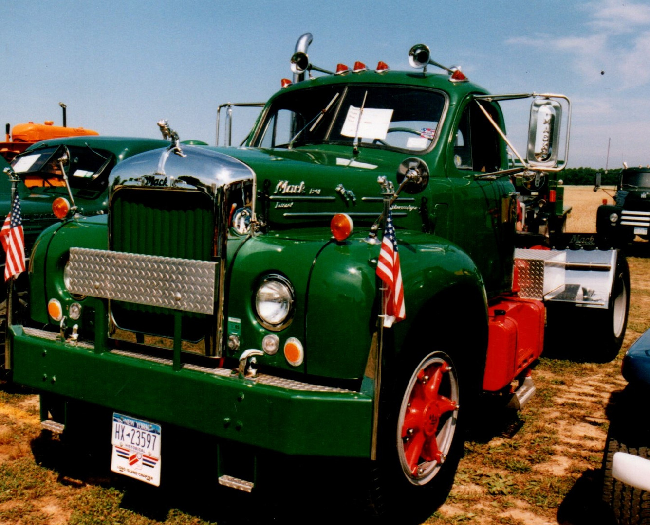 1965 Mack B-61 tractor - Nick Nuzzi