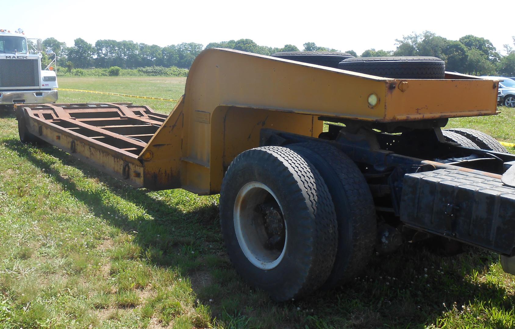 Schertzer 20 ton lowbed trailer - Steve Wolbert