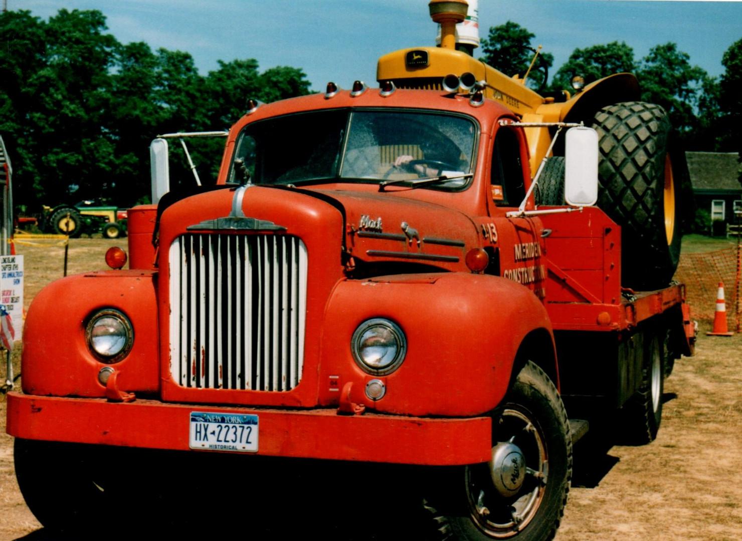 1953 Mack B model flatbed