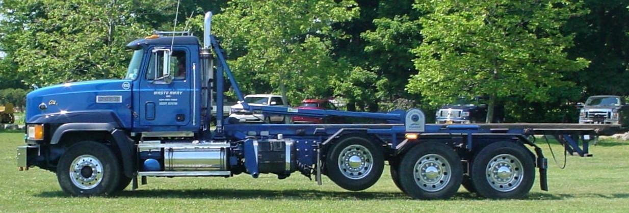 Mack Elite roll-off