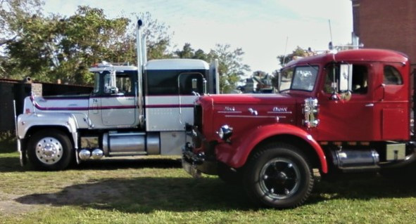 Howard Pratt Jr's. 1976 Mack RS-700L tractor & Jonathan Erb's 1949 Mack LJT tractor