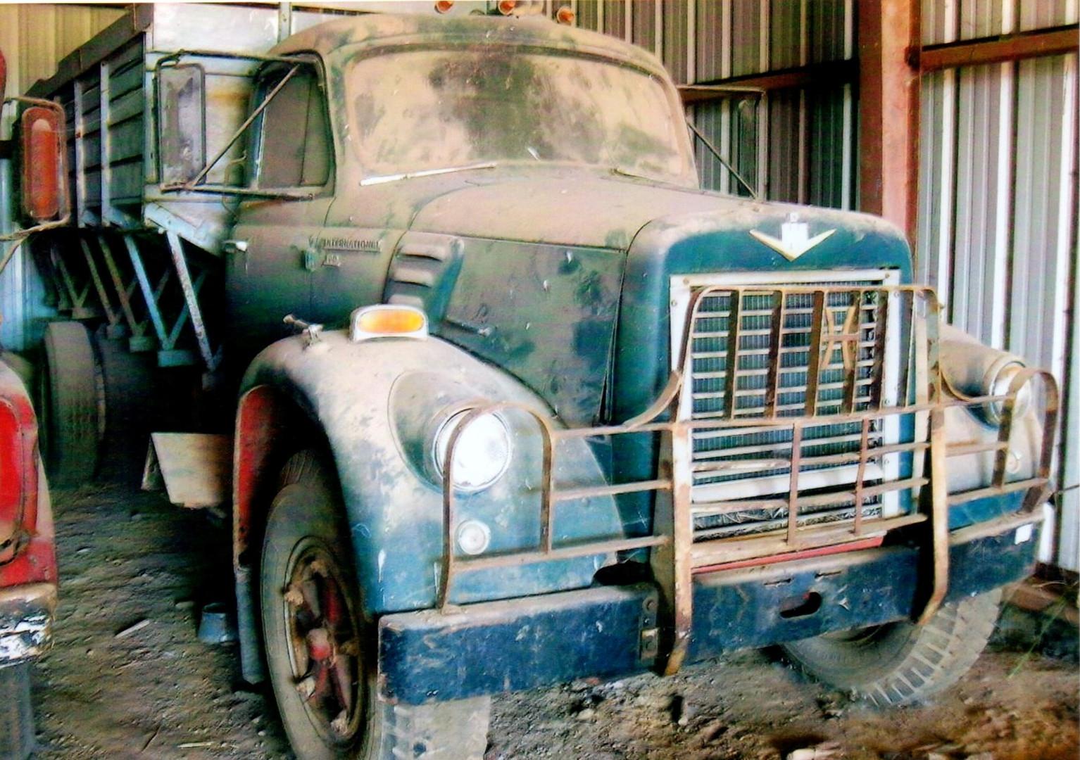 A very dirty 1956-63 International V series