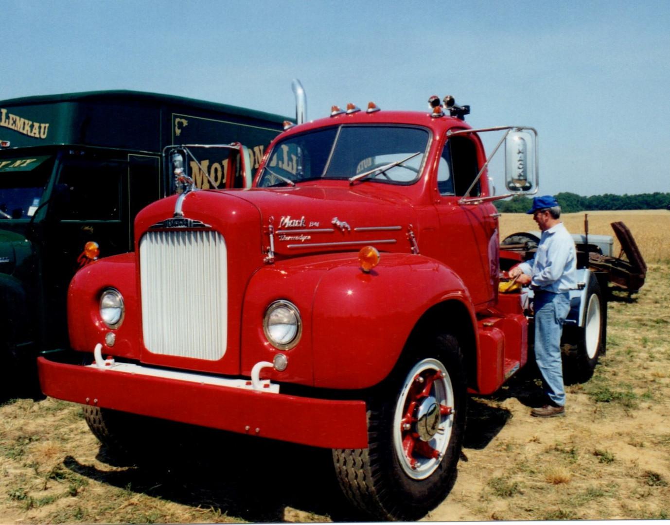 1957 Mack B-61 tractor