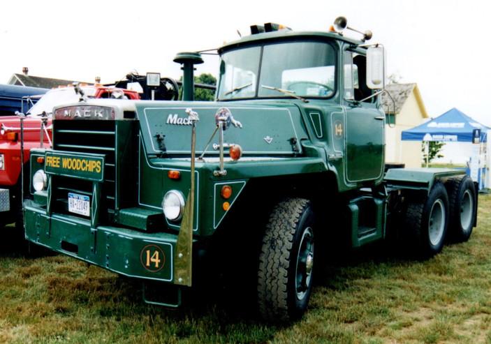 1967 Mack DM-815SX tractor - Joe Tavernese