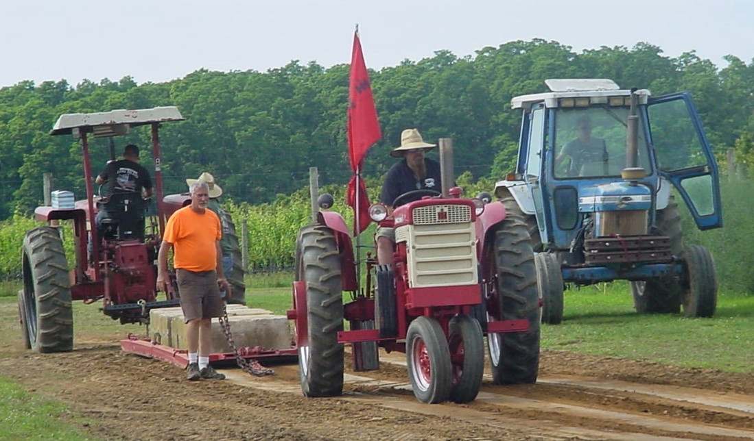 Tractors on the pulling track