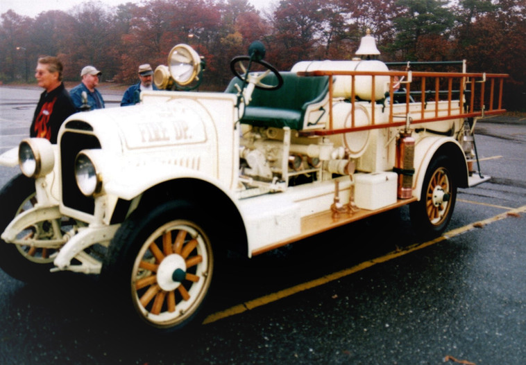 Philip Huntington's 1923 Brockway LaFrance Torpedo fire engine