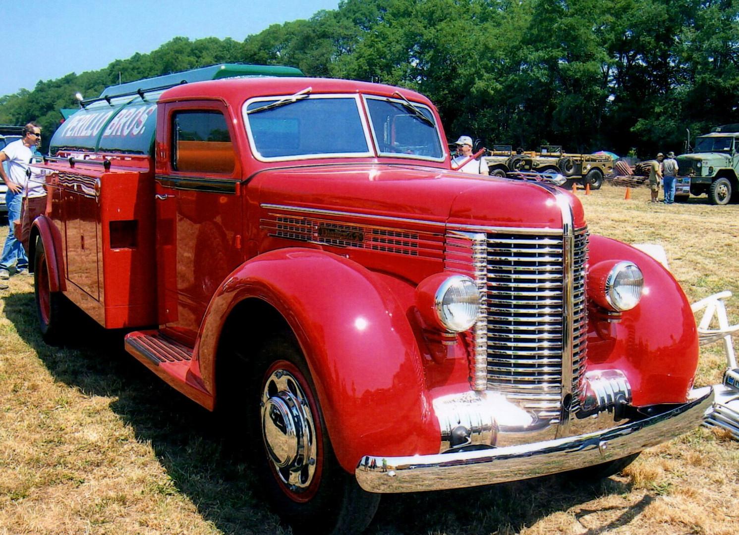 1938 Diamond T model 406 tanker - Paul Perillo