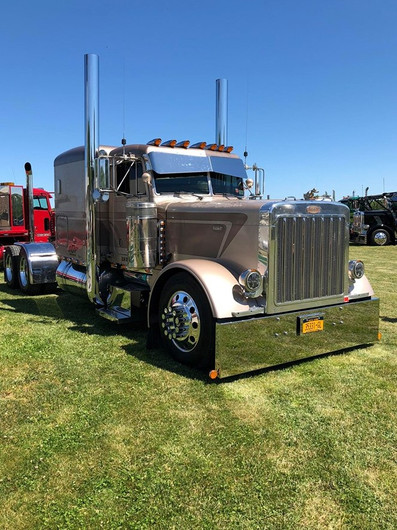 Peterbilt tractor with sleeper