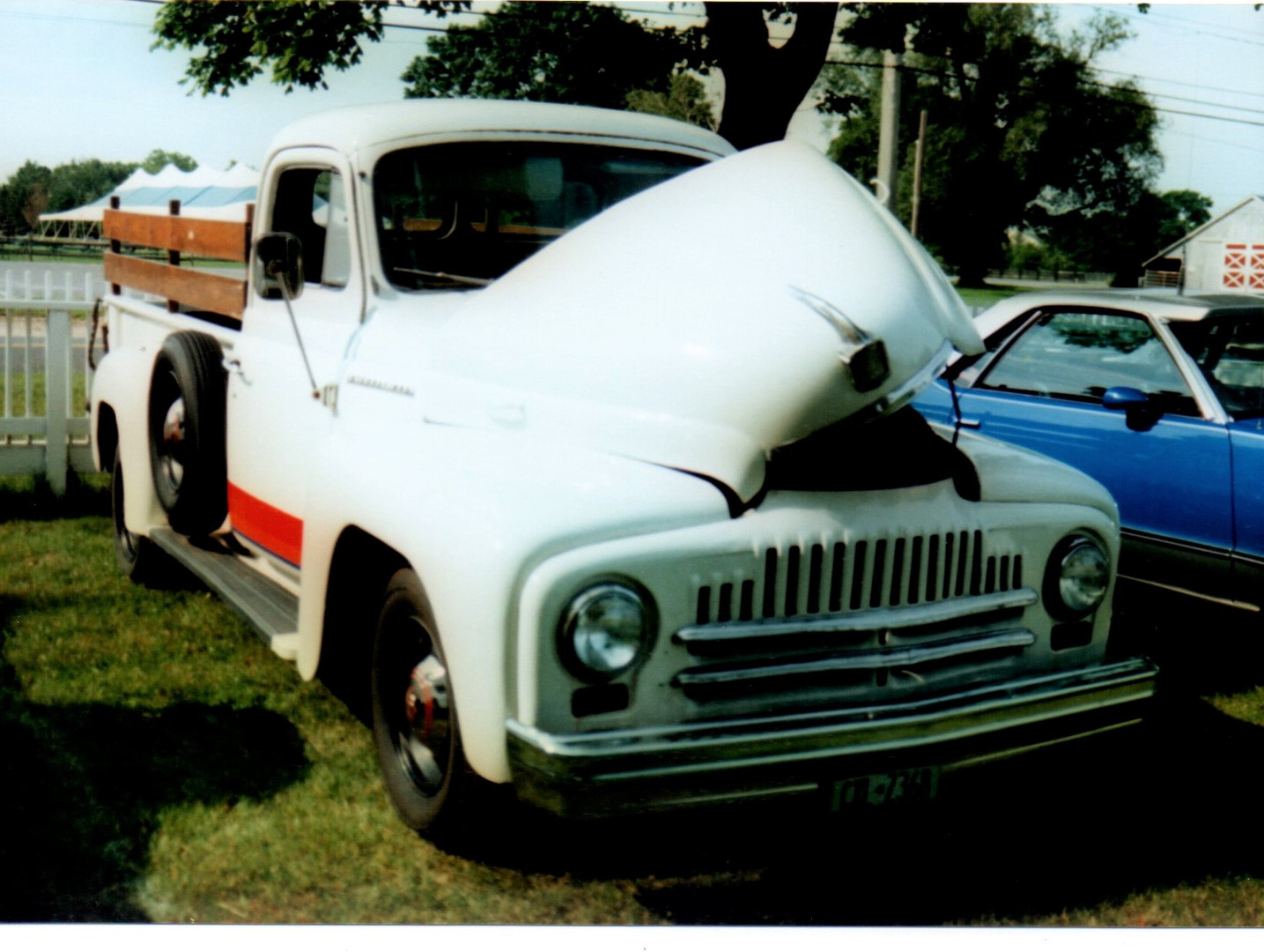 1952 International L-120 pickup