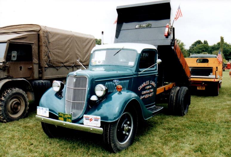 Carl Cardo's 1935 Ford dump