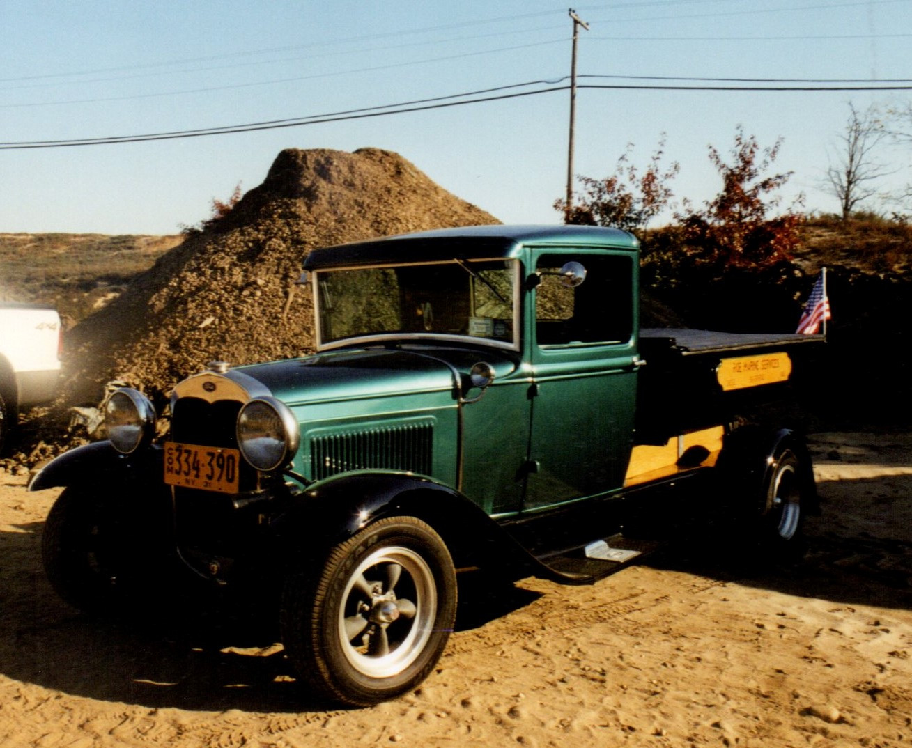 William Roe's 1931 Ford dump