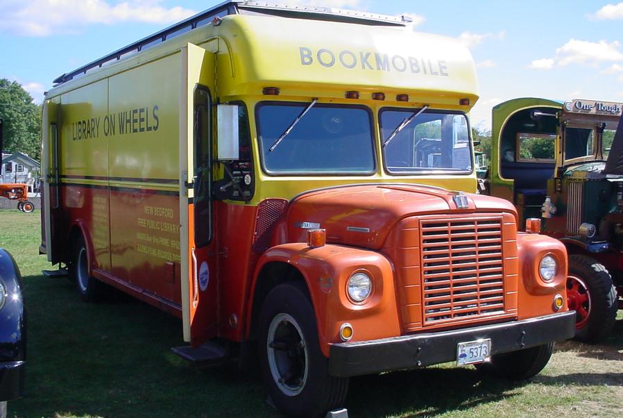 1972 International Loadstar Bookmobile
