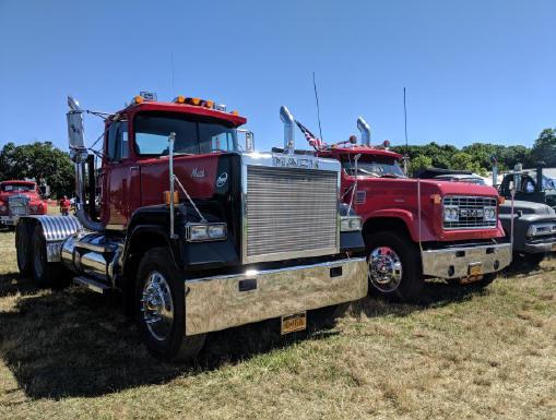 1988 Mack Super Liner tractor - John Keibel Jr.
