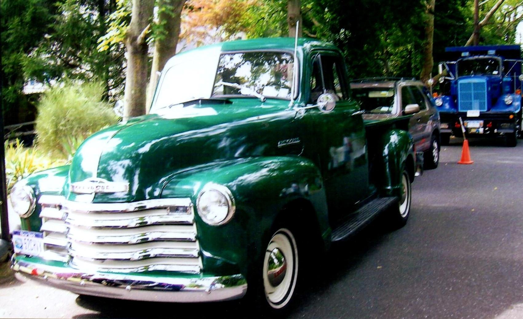 Janet Tufaro's 1952 Chevrolet 3100