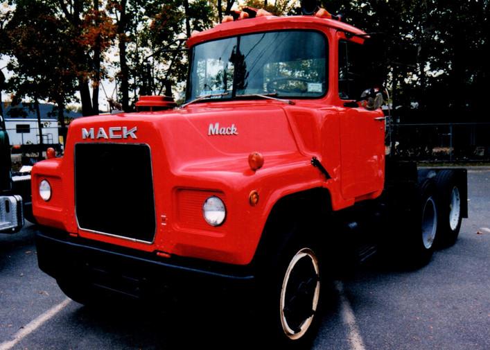 George Fiebe's 1977 Mack