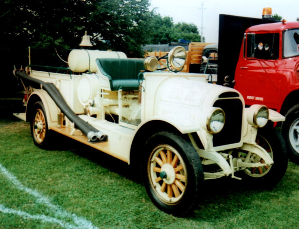 1923 Brockway LaFrance Torpedo  pumper - Philip Huntington
