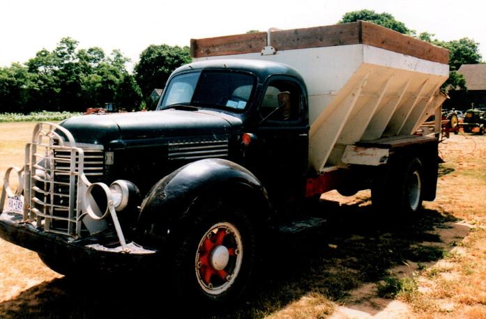 1948 International KB-7 potato body