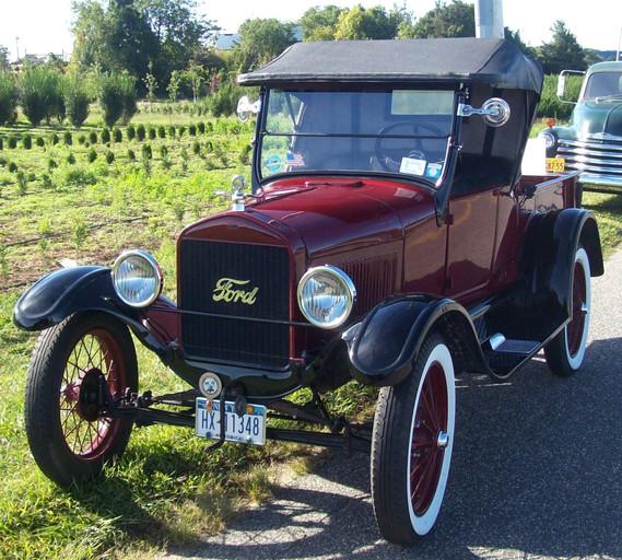 Joe Tavernese's 1926 Ford Model T Rodster pickup