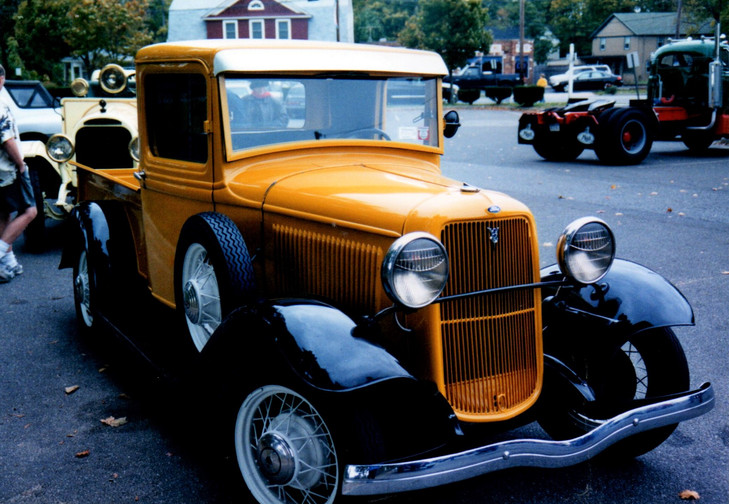 Ron Bruschi drove his 1933 Ford before the rain