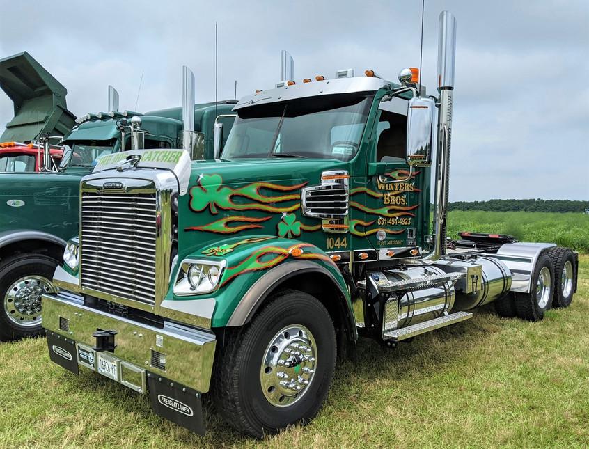 2022 Freightliner 122SD tractor - Winter Bros.