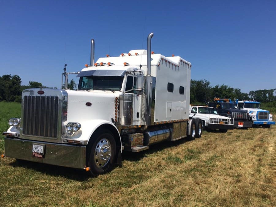 "2007 Peterbilt tractor with 140"" Double Eagle sleeper - Paul Stanchio"