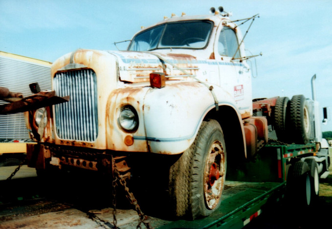 1966 Mack B-61 cab & chassis - Andrew Fornsel