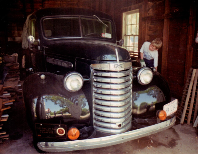 Ron Bush's 1939 GMC Panel