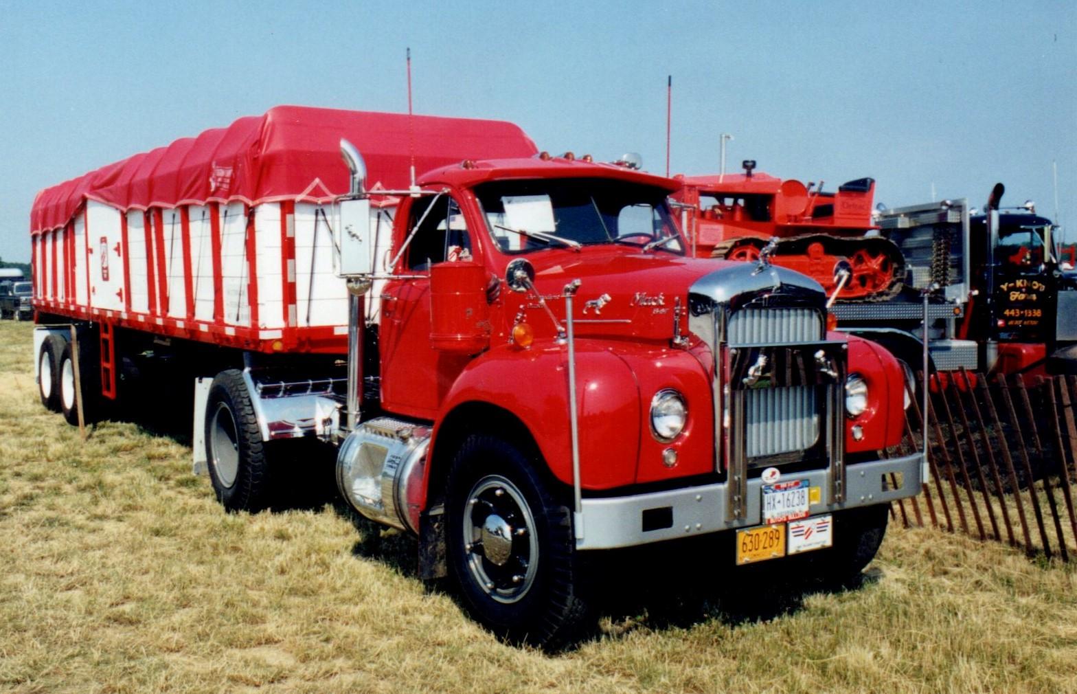 1958 Mack B-67T tractor - 1967 Load Craft trailer - Howard Pratt