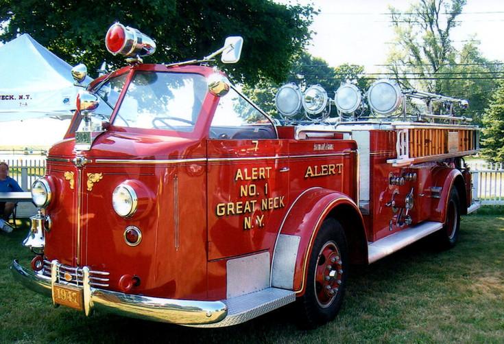 1947 American LaFrance pumper - Great Neck F.D.