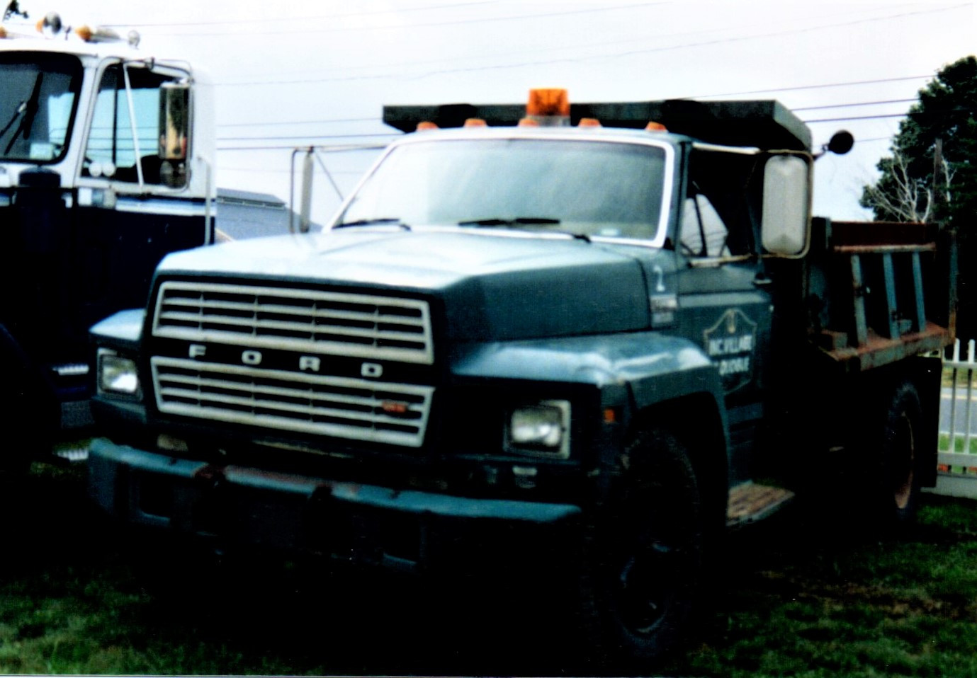 1983 Ford F-700 dump - Steve Wolbert