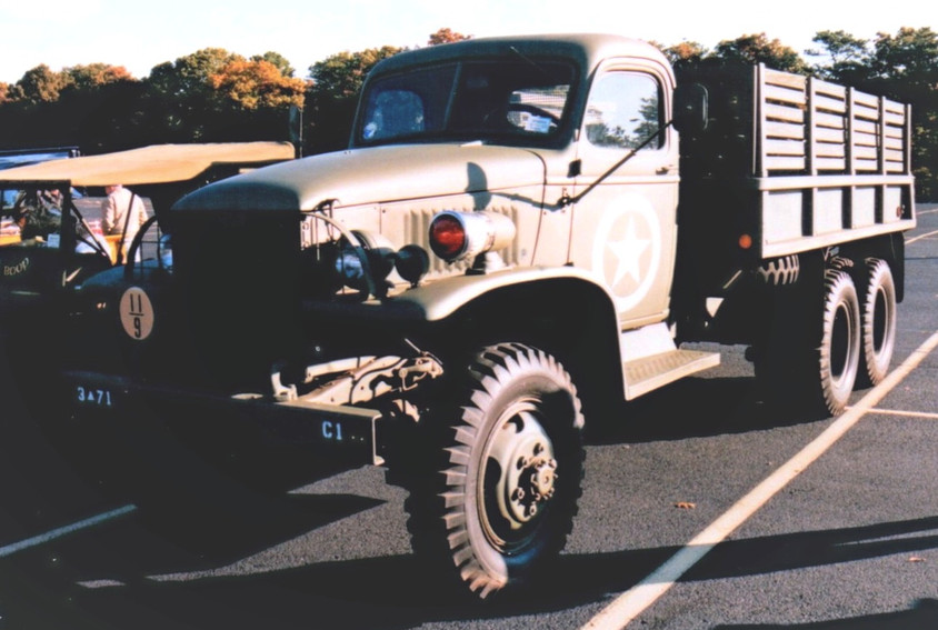 Lou Zackman's 1942 GMC cargo