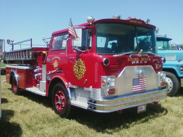 1970 Mack CF-650 pumper - Sound Beach F.D.