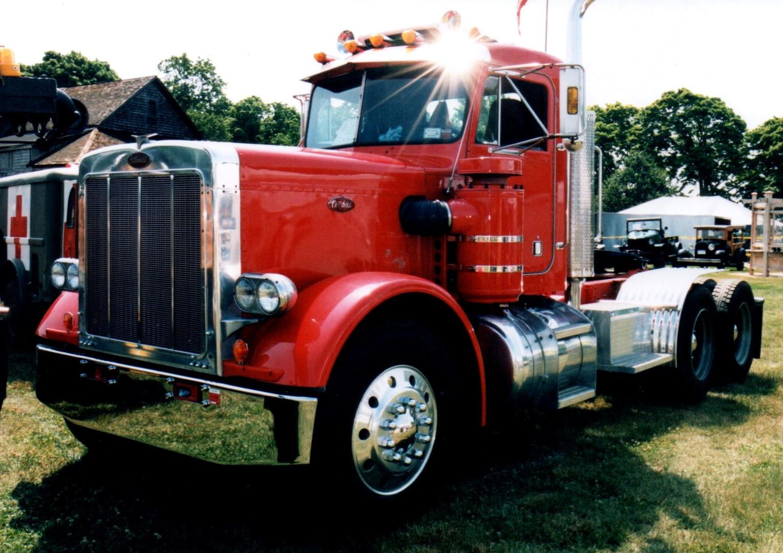 1979 Peterbilt 359 tractor - Billy Shea