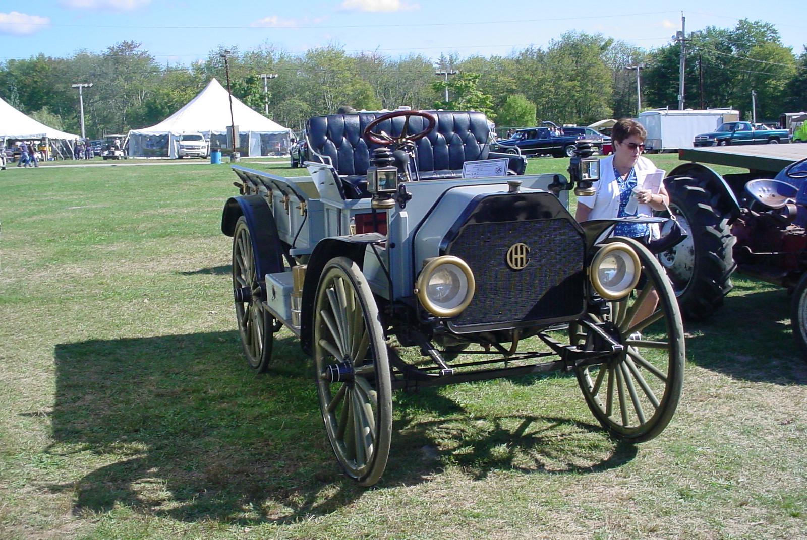 1913 International high wheeler express body