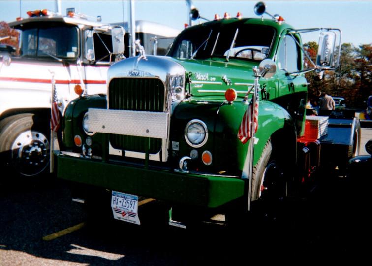 Nick Nuzzi's 1965 Mack tractor