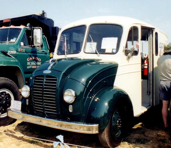 1954 Divco 15U delivery - Philip Kenter
