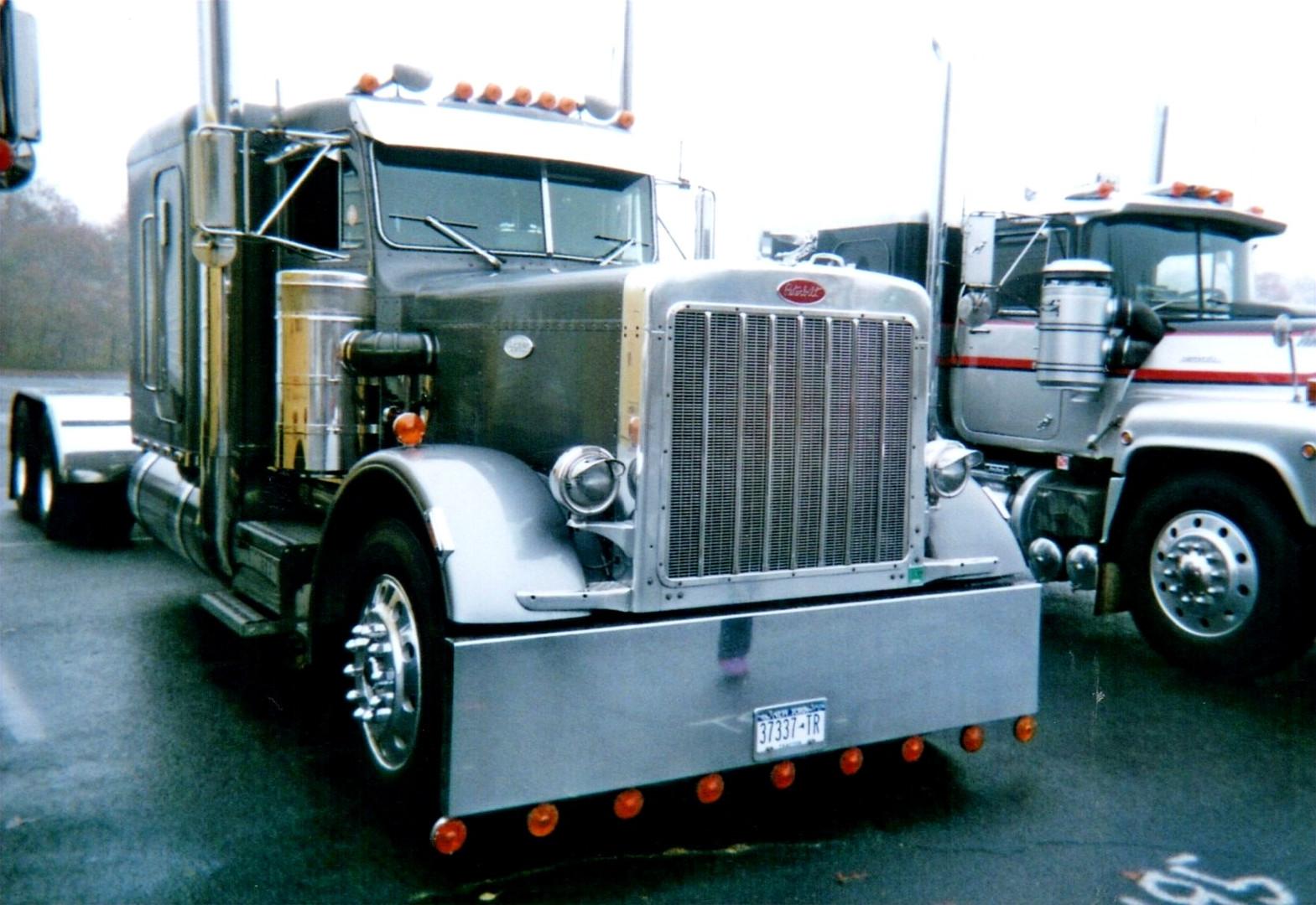 Joseph Castiglione's 1984 Peterbilt 359 tractor
