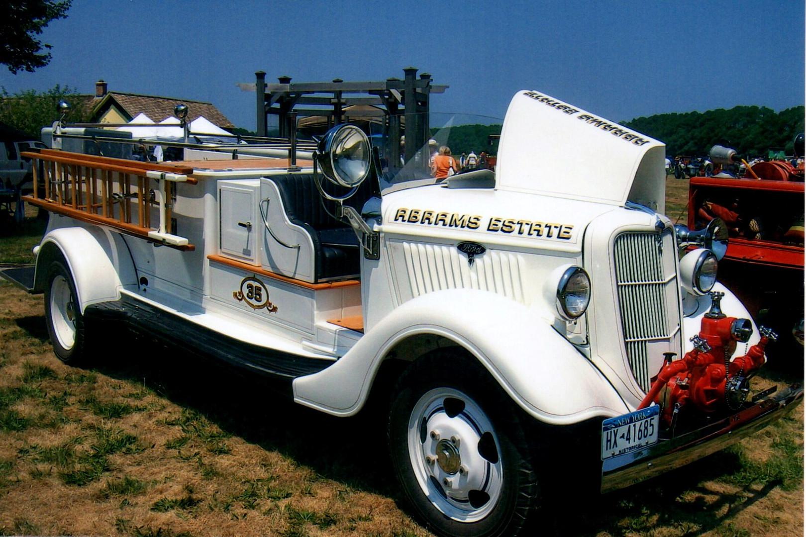 1935 Ford pumper - Floyd Chivvis